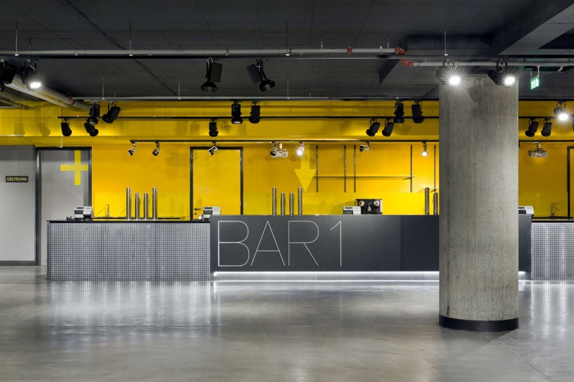 Comptoirs de bar LiCrete, Forum de Karlín, Prague