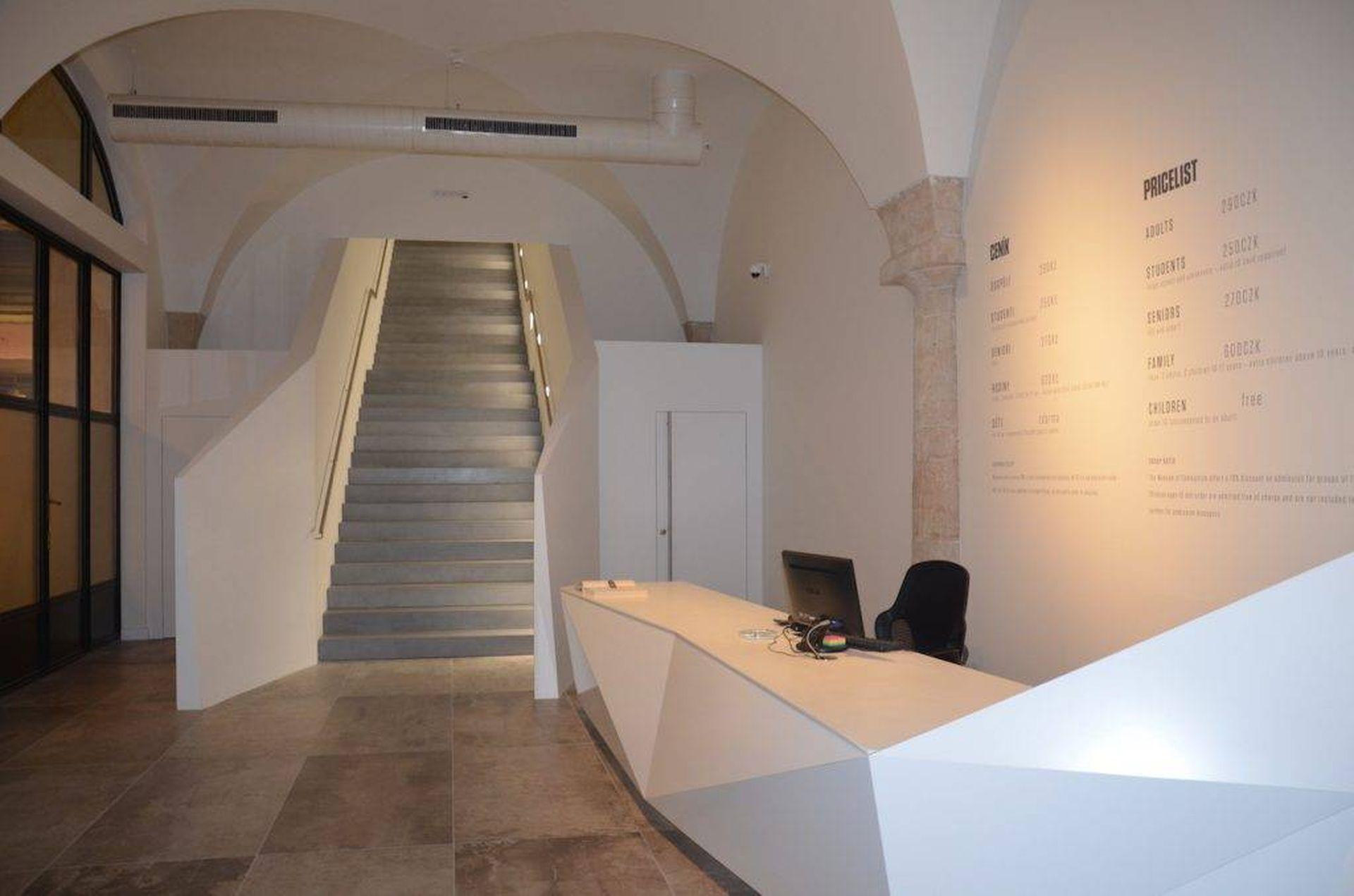 Escalier, Musée du communisme, Prague