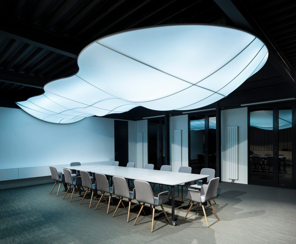 Konferenční stoly pro nové kanceláře firmy BRIT, Praha