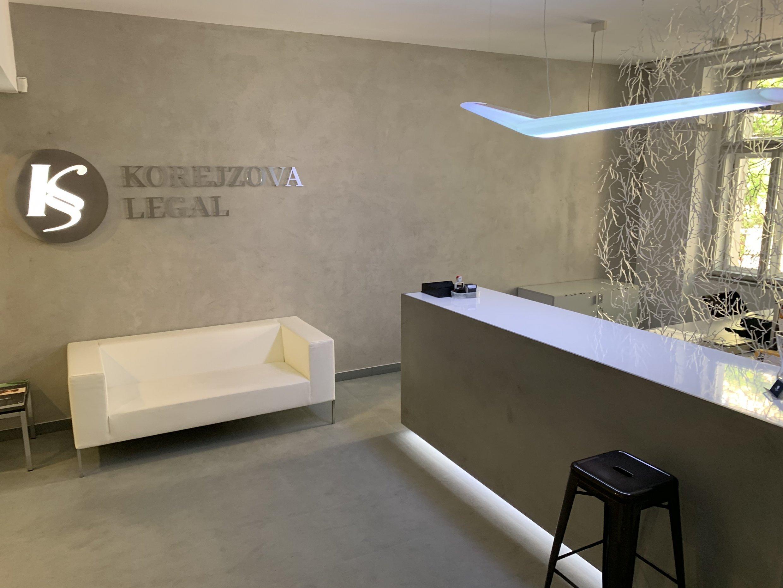 Comptoir d'accueil, Cabinet d'avocats, Prague